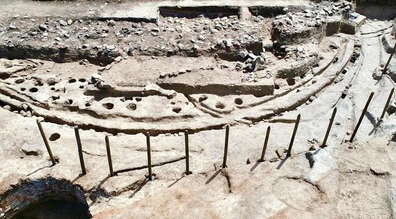 El 'Stonehenge' de madera  Portugal al descubierto
